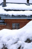 Casa na neve Fotos de Stock