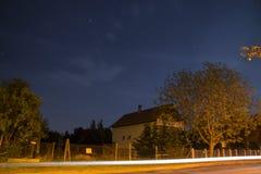 Casa na noite Imagens de Stock Royalty Free
