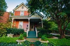 Casa na quarta divisão histórica de Charlotte, North Carolina foto de stock royalty free