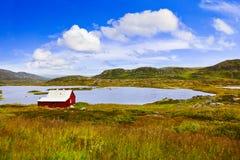 Casa na região de Buskerud de Noruega Fotos de Stock Royalty Free