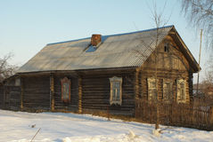 A casa na vila Fotografia de Stock Royalty Free