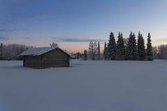 Casa na vila no inverno Foto de Stock Royalty Free