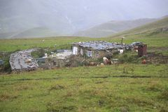 Casa nas montanhas de Chechnya Fotografia de Stock Royalty Free