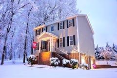 Casa nella neve fotografia stock libera da diritti