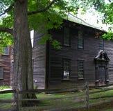 Casa nella regolazione rurale fotografia stock