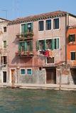 Casa no canal, Veneza. Imagens de Stock Royalty Free