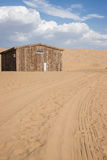 Casa no deserto Fotografia de Stock Royalty Free