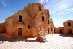 A casa no deserto Imagens de Stock Royalty Free