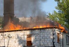 Casa no fogo Imagem de Stock Royalty Free