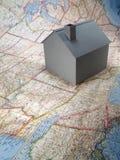 Casa no mapa Foto de Stock Royalty Free