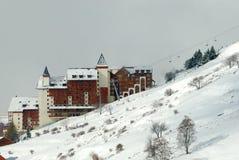 Casa no montanhês de alpes da montanha imagens de stock royalty free