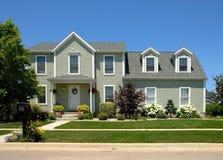 Casa no verão Imagens de Stock Royalty Free
