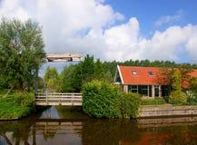 Casa olandese con il ponticello Immagine Stock Libera da Diritti
