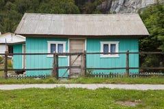 Casa patagonian tipica alla giunta della La. Immagini Stock Libere da Diritti