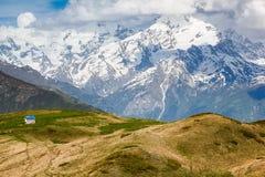 Casa pequena nas montanhas Imagem de Stock Royalty Free
