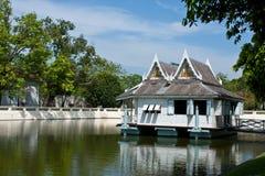 A casa pequena velha no palácio Imagens de Stock Royalty Free