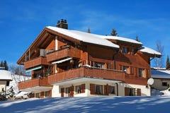 Casa per le vacanze di inverno Immagini Stock Libere da Diritti