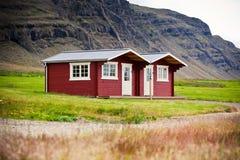Casa per le vacanze tipica all'Islanda del nord Fotografia Stock