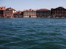 Casa perto da água em Veneza Fotografia de Stock