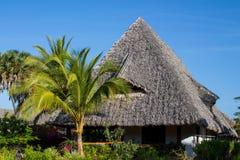 Casa piacevole del villaggio in tropici Fotografia Stock