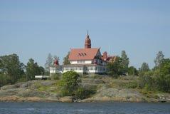 Casa por la orilla Foto de archivo libre de regalías
