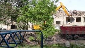 Casa pré-fabricada da demolição filme