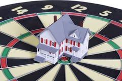 Casa que fecha-se no alvo Imagens de Stock Royalty Free
