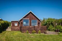 Casa rústica do feriado em Sjelborg perto de Esbjerg, Dinamarca Foto de Stock
