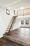 Casa rústica interior, escadas Foto de Stock