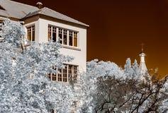 Casa renovada vieja en el cuarto tranquilo de Estrasburgo, visión infrarroja fotos de archivo