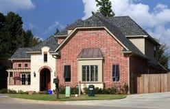 Casa residencial bonita Fotografia de Stock Royalty Free