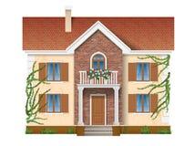 Casa residencial demasiado grande para su edad con la hiedra Imagen de archivo libre de regalías