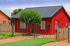 Casa roja imagen de archivo