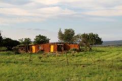 Casa roja del suelo y de la arcilla en Mpumalanga Fotos de archivo