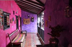Casa rosa coloniale Immagini Stock Libere da Diritti