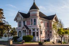 Casa rosada del Victorian Imagen de archivo libre de regalías