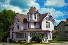 Casa rosada del Victorian Fotos de archivo libres de regalías