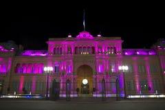 Casa Rosada (rosa färghus) vid natt Royaltyfri Foto