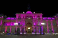 Casa Rosada (rosa färghus) vid natt Royaltyfria Foton