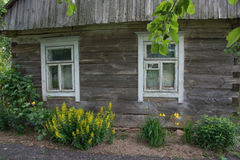 Casa rovinata bielorusso a partire dal secolo scorso Immagine Stock