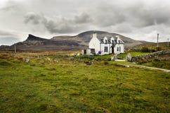 Casa rurale scozzese, Scozia, isola di Skye Quiraing fotografia stock libera da diritti
