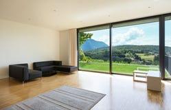 Casa, sala de estar ancha Imagen de archivo libre de regalías