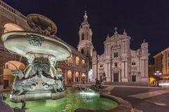 Casa santamente de Loreto na noite, Itália Imagens de Stock Royalty Free