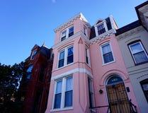 Casa a schiera rosa Fotografia Stock Libera da Diritti