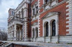 Casa señorial arruinada en Rusia Foto de archivo