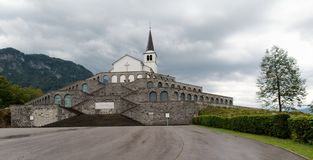 Casa sepulcral italiana - cementerio militar de la Primera Guerra Mundial en Kobarid en Eslovenia imágenes de archivo libres de regalías