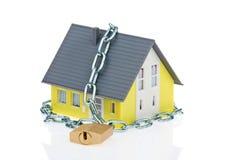 Casa sicura dell'allarme con la catena Fotografia Stock