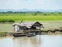 Casa simples com o painel solar em Myanmar Foto de Stock