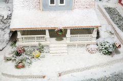 Casa Snow-covered Imagens de Stock Royalty Free