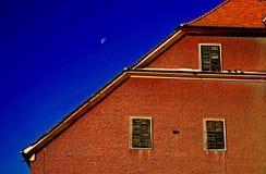 Casa sob o céu azul Foto de Stock